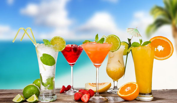 Best Slimming Ingredients for Your Summer Drinks
